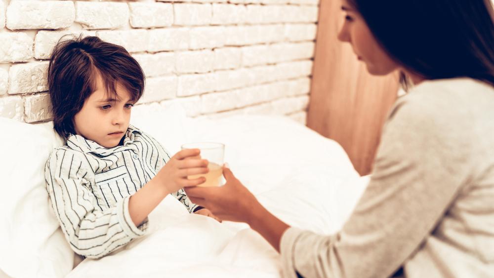 Bolehkah Beri Anak Obat Batuk Berdahak saat Si Buah Hati Batuk Kering?