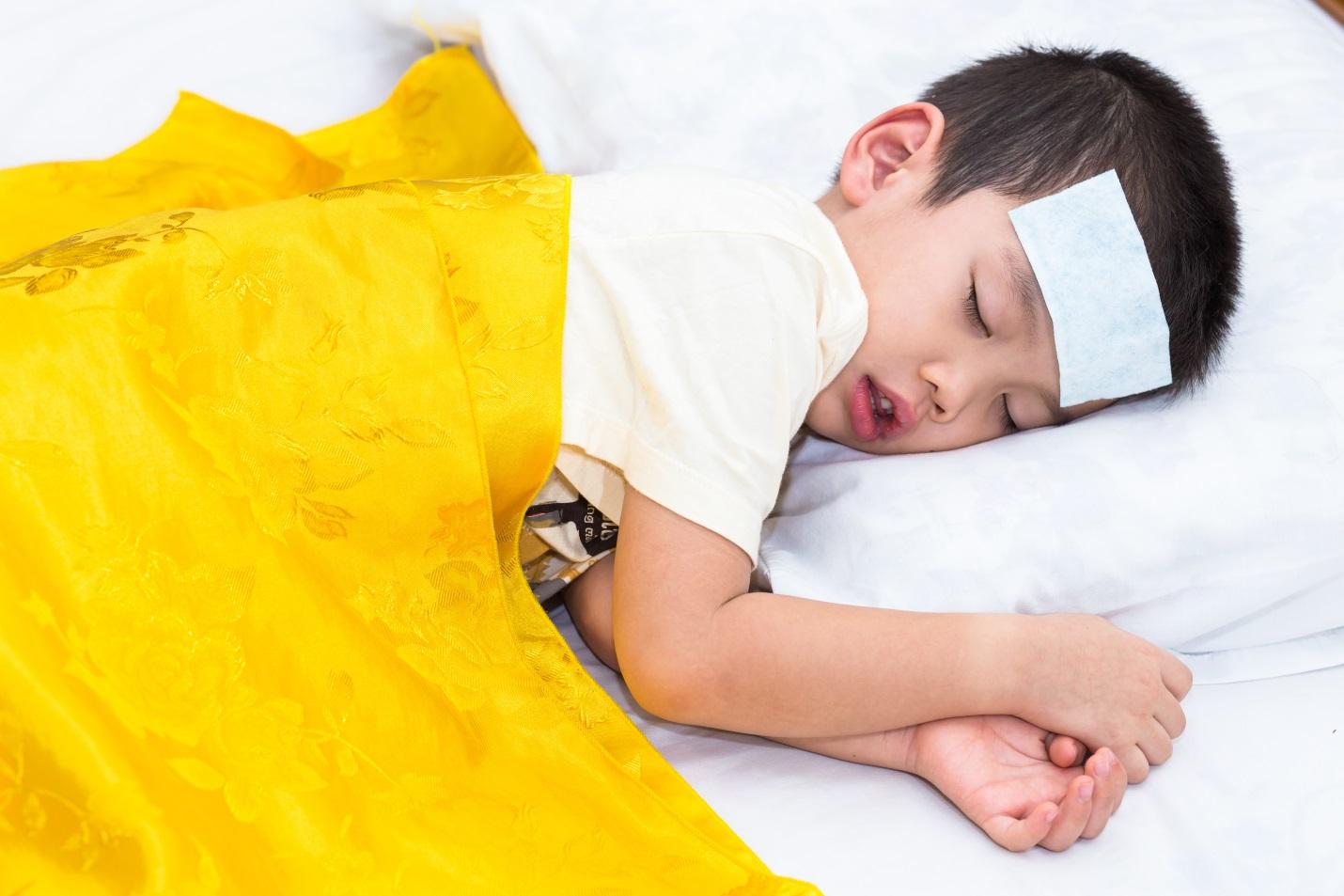 Anak Demam Malam Hari Saja, Waspada Penyakit Ini ya Bunda!