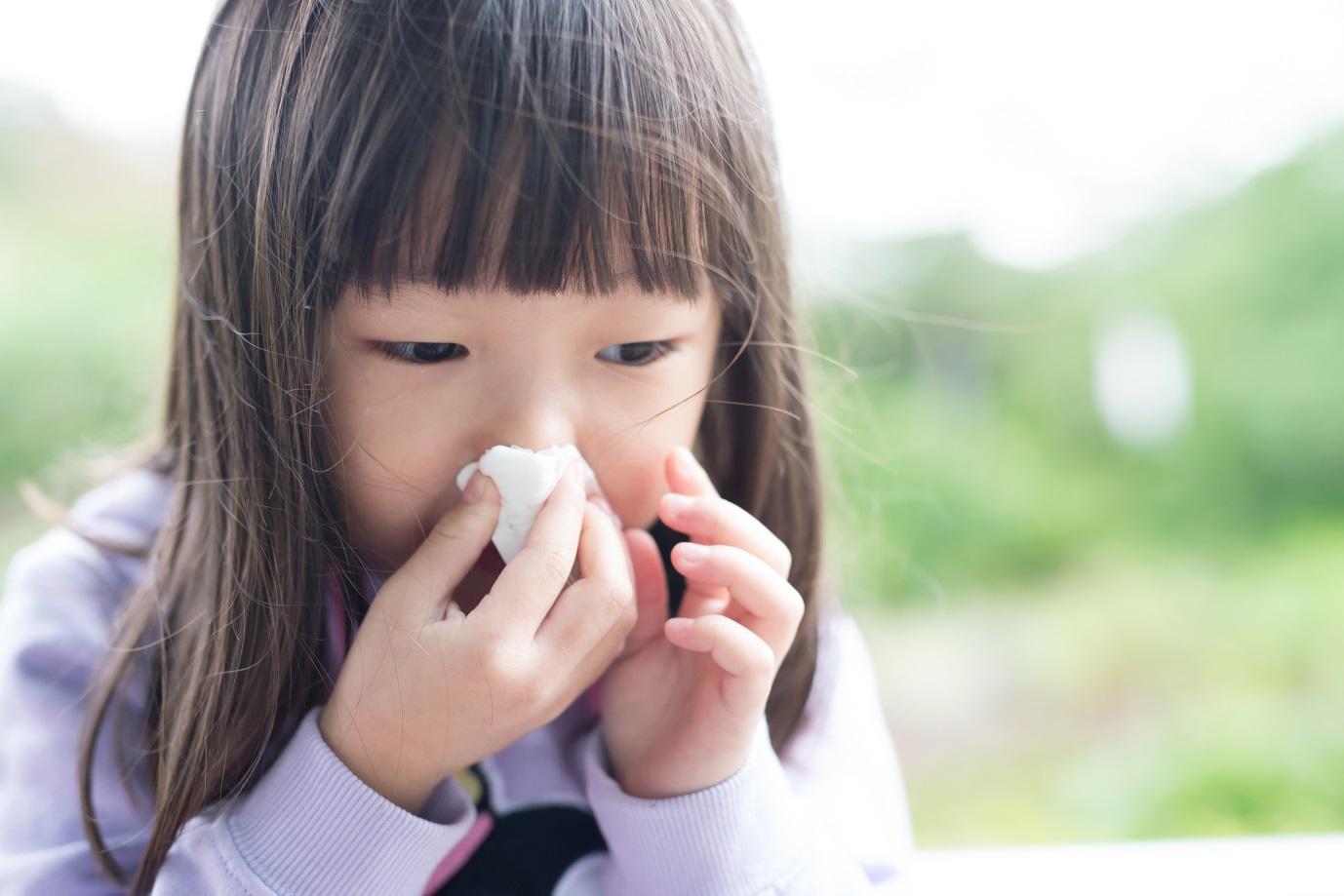 Moms, Ini yang Terjadi di Saluran Pernapasan Saat Terjadi Batuk dan Flu pada Anak