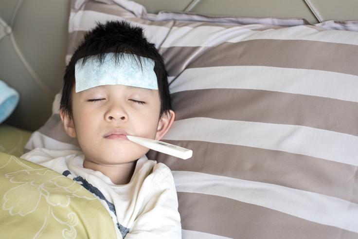 Jangan Panik, Kenali Seluk Beluk Demam pada Anak