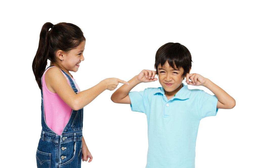 Kakak dan Adik Sering Tak Akur? Ini Cara Mengatasinya