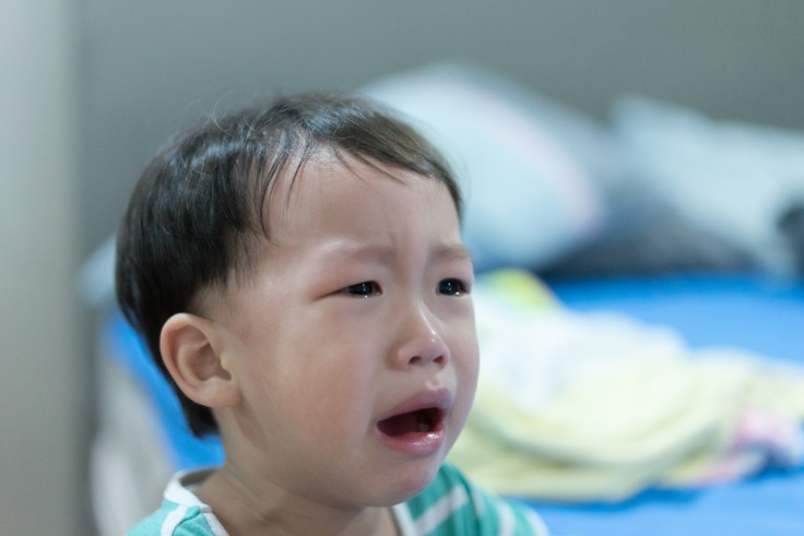 Moms, Ini 7 Tips Mengatasi Anak Tantrum Saat Demam