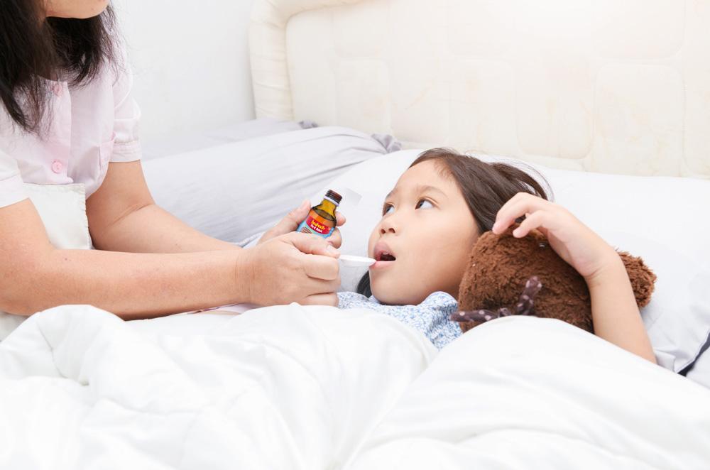 Moms, Ini Dia Waktu yang Tepat untuk Memberikan Obat Flu dan Batuk pada Anak