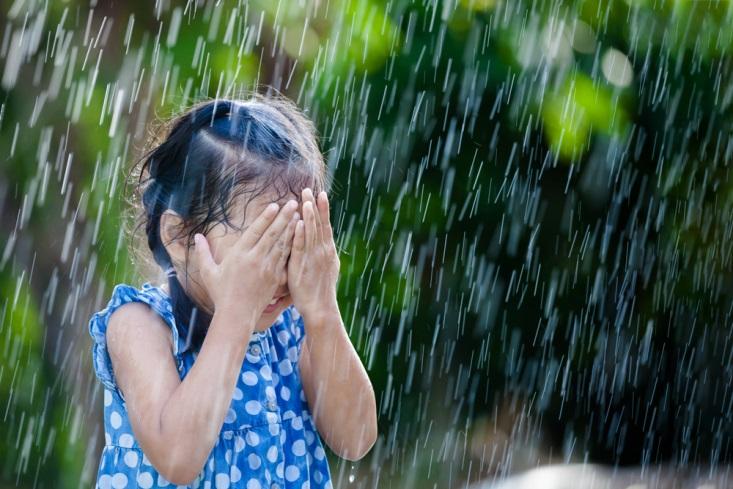Selain Flu dan Batuk, Ini 4 Penyakit yang Mungkin Menyerang Anak Saat Musim Hujan