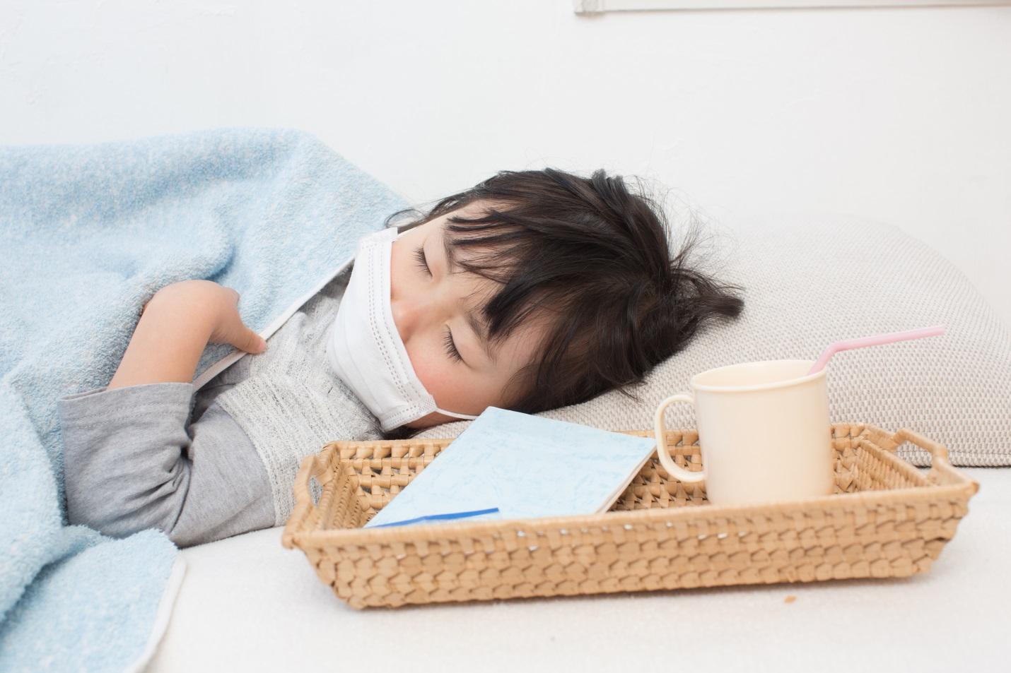 Tak Perlu Bingung, Ini Dia Cara Mengobati Batuk Pilek Demam dan Tenggorokan Gatal Pada Anak