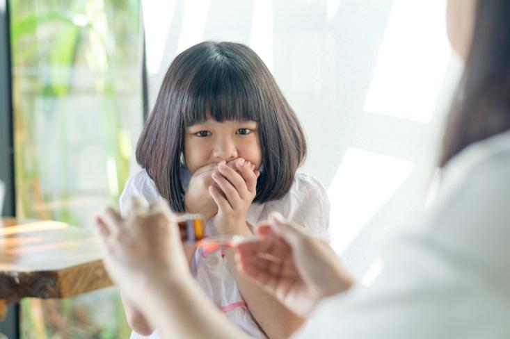 Trik Membujuk Anak Minum Obat