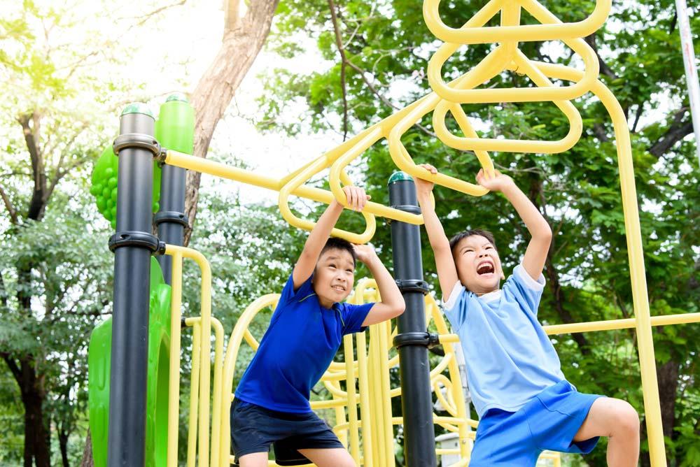 Anak Aktif Bergerak? Hindari Risiko Cedera dengan Cara Ini