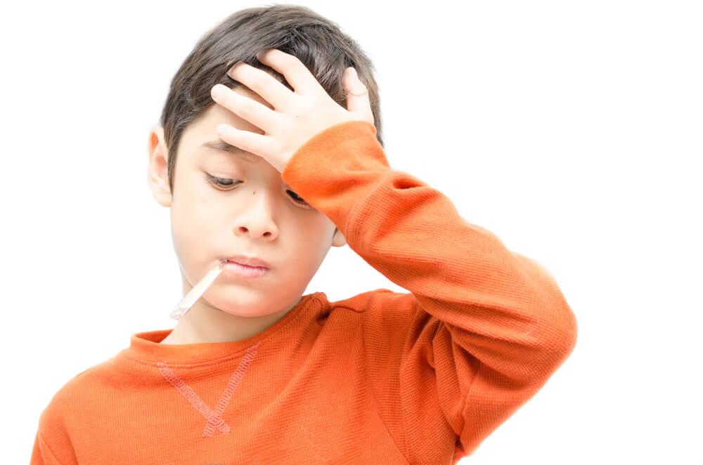 Mengatasi Sakit Panas Anak agar Tidak Mengganggunya di Sekolah