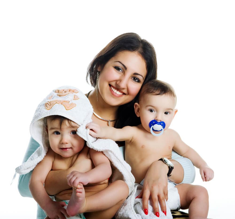 Tips Mengasuh Anak Kembar
