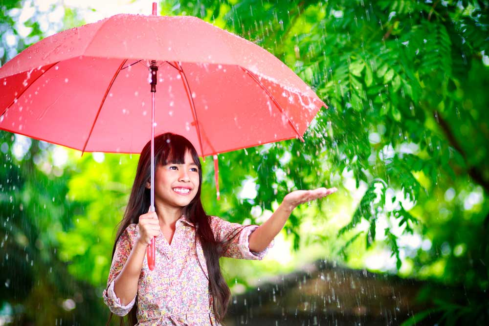 Jaga Daya Tahan Tubuh Anak Saat Musim Hujan